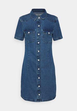 JDYNEWSANNA LIFE DRESS - Robe en jean - medium blue denim