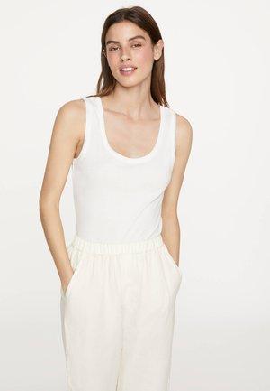 BASICS-SHIRT AUS BIOBAUMWOLLE 30208093 - Undershirt - white