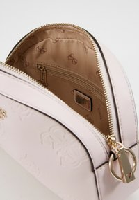 Guess - KAYLYN MINI CROSSBODY TOP ZIP - Handbag - blush - 3