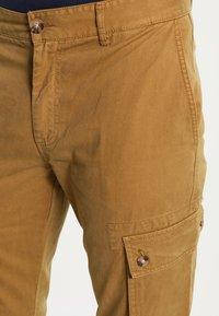 YOURTURN - Pantaloni cargo - camel - 3