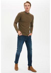 DeFacto - T-shirt à manches longues - khaki - 1