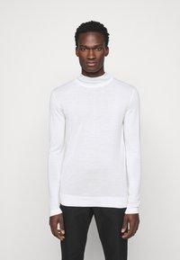 J.LINDEBERG - NEAL TURTLENECK - Stickad tröja - cloud white - 0
