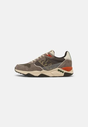 LEA - Sneakersy niskie - taupe/green