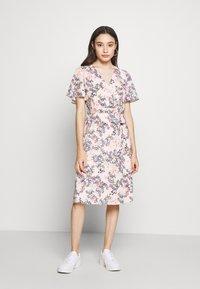 Esprit Collection Petite - FLUENT - Vapaa-ajan mekko - pastel pink - 0