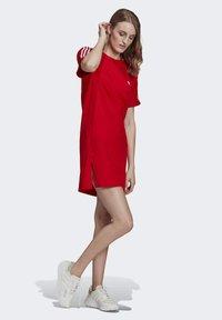 adidas Originals - TEE DRESS - Jersey dress - red - 3