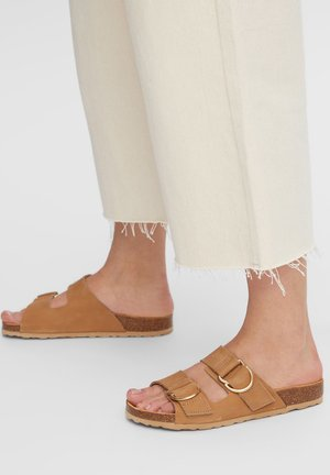 BIABETRICIA  - Slippers - camel