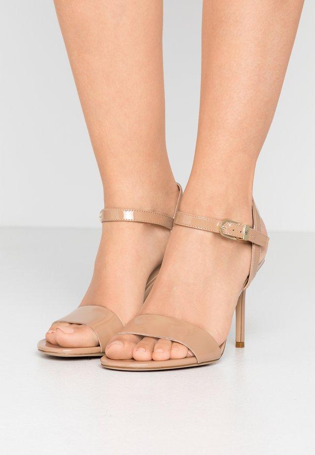 GWEN - Sandaler med høye hæler - nude