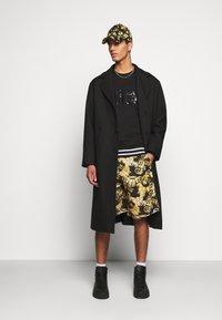 Versace Jeans Couture - Sweatshirt - nero - 1