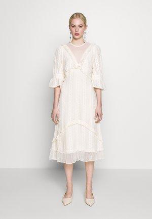 GALLERY MIDI DRESS - Denní šaty - cream