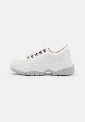 ROXIE - Sneakers laag - white