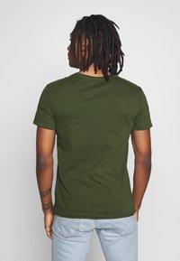 Blend - SLIM  - Basic T-shirt - forest green - 2