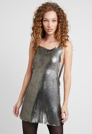 DUA LIPA X PEPE JEANS - Koktejlové šaty/ šaty na párty - silver