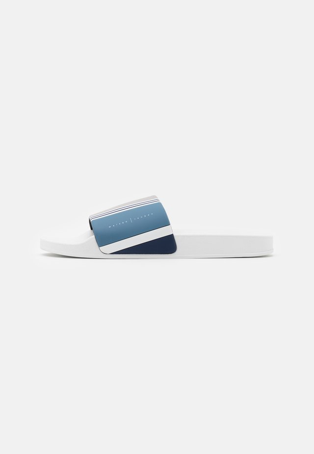 Sandály do bazénu - white