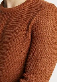 Jack & Jones - JORFLOW CREW NECK - Pullover - mocha bisque - 5