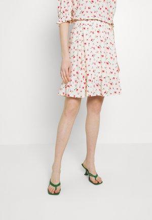 VILANA DITSY SHORT SKIRT - Mini skirts  - white/red