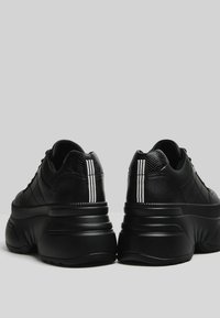 Bershka - Trainers - black - 3