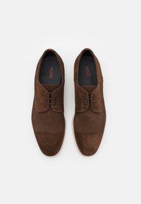 HUGO - MIDTOWN - Šněrovací boty - dark brown - 3