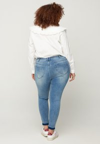 Zizzi - Slim fit jeans - blue - 1