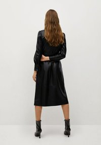 Mango - CINTIA - Shirt dress - schwarz - 1