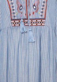 Cream - FLORANA DRESS - Vapaa-ajan mekko - blue - 2