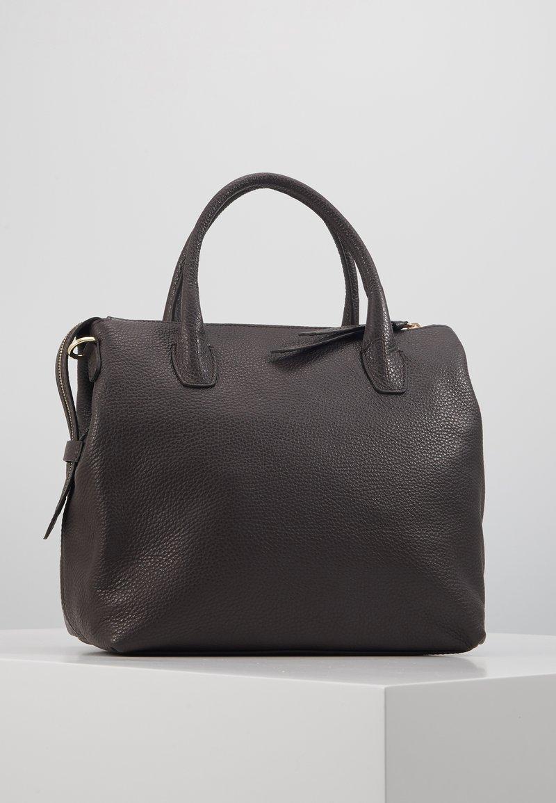 Abro GUNDA - Handväska - dark brown