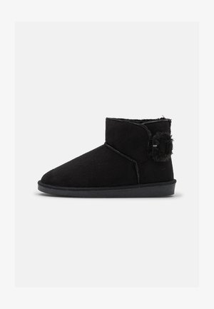 VMBECCA - Ankle boots - black