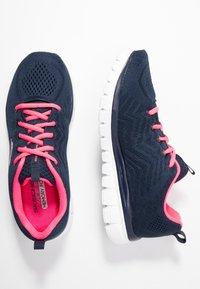 Skechers Wide Fit - GRACEFUL WIDE FIT - Zapatillas - navy/hot pink - 3