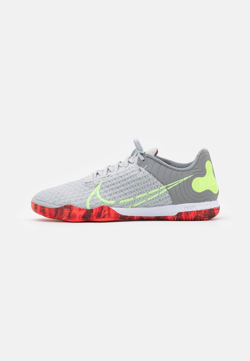 Nike Performance - REACTGATO  - Indoor football boots - grey fog/ghost green/wolf grey