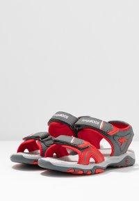 KangaROOS - K-TRACK - Chodecké sandály - steel grey/red - 3
