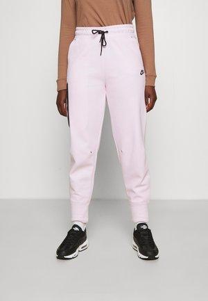PANT  - Tracksuit bottoms - regal pink/black