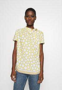 s.Oliver BLACK LABEL - Blouse - light yellow - 0