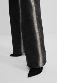Bershka - Jeans bootcut - black - 3
