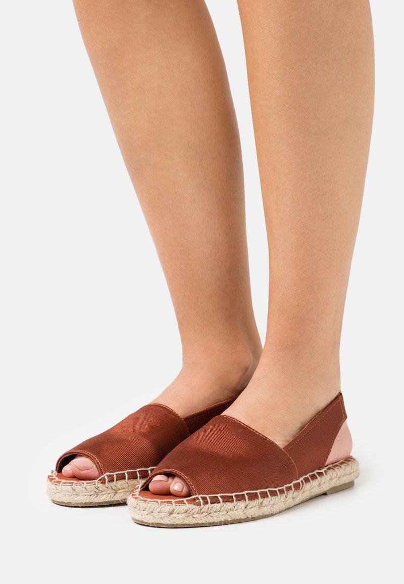 Vero Moda - VMKERA  - Sandals - chutney