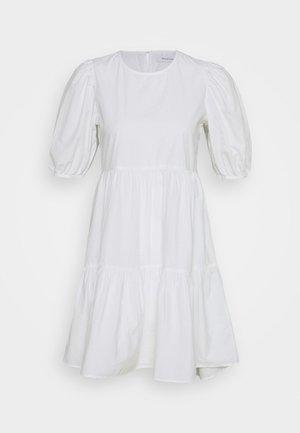 ONLKARLA PUFF SHORT DRESS - Denní šaty - white