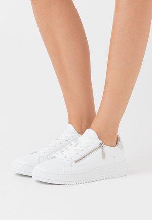 CAMBRIDGE  - Sneakers laag - white