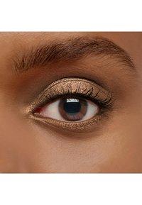 IsaDora - SINGLE POWER EYESHADOW - Eye shadow - taupe metal - 3