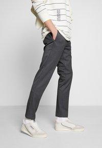 adidas Originals - CONTINENTAL 80 - Tenisky - white tint/grey one/offwhite - 0