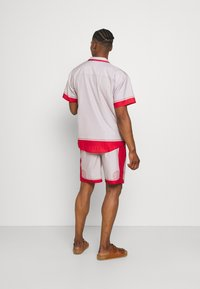 Mennace - SHELL PRINT PULL ON - Shorts - red - 2