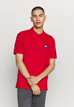 BADGE - Polo shirt - red