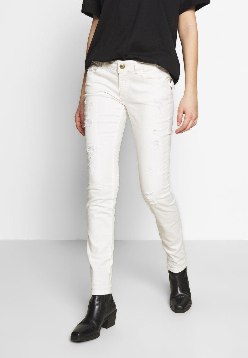 Mos Mosh - BRADFORD WORKED - Jeans Skinny Fit - white