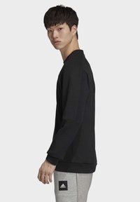 adidas Performance - MUST HAVES CREW SWEATSHIRT - Sweatshirt - black - 2