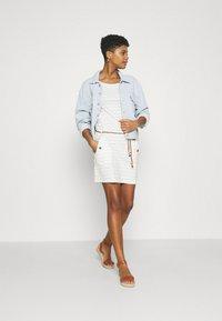 Ragwear - TAG CHEVRON - Žerzejové šaty - off white - 1