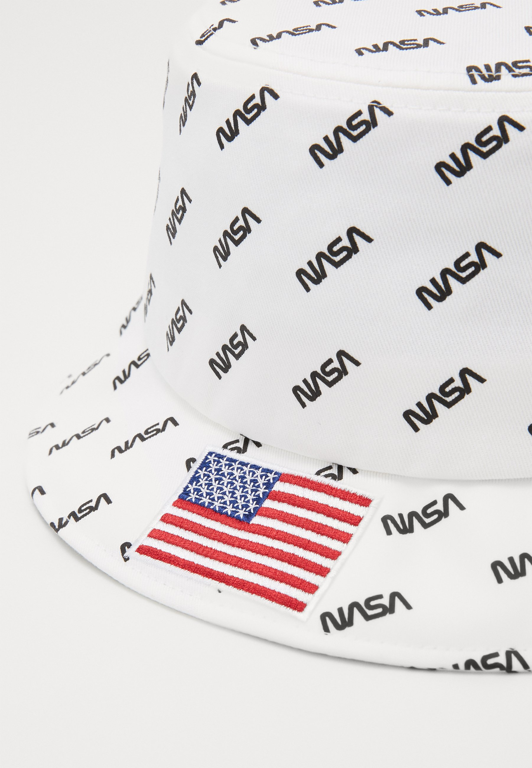 Urban Classics NASA ALLOVER BUCKET HAT - Hatt - white/hvit Xm8v4fItN7Fioh7