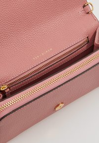 Tory Burch - MCGRAW CROSS BODY - Bandolera - pink magnolia - 4