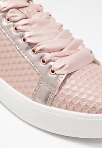 Tamaris - LACE-UP - Trainers - rose - 2