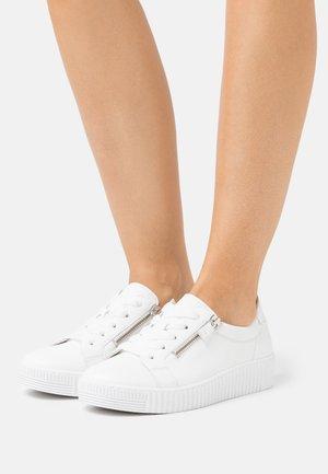 Sneakers laag - weiß/ice