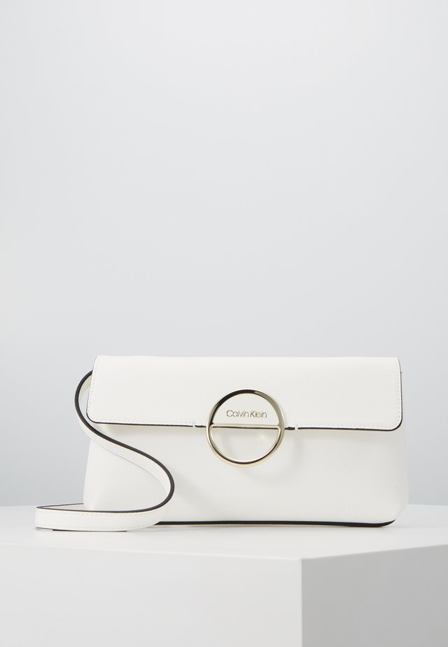 HOOP CLUTCH - Clutch - white