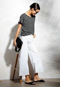 Alba Moda - Print T-shirt - schwarz,off-white - 4