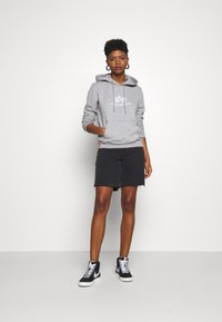 Alpha Industries - NEW BASIC  - Hoodie - grey heather - 1