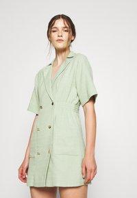 sandro - Day dress - vert amande - 0